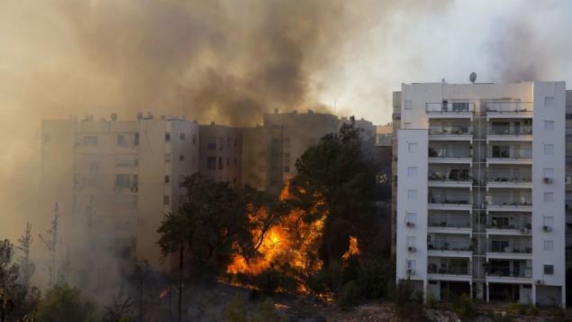 Mideast-Israel-Fire_Horo-4-e1479991465312-635x357