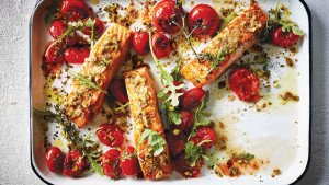 Health October 2018 Sheet Pan Dinners Roasted salmon with horseradish and melted tomatoes